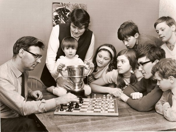 FM John Littlewood and family post Southport Open, 1972